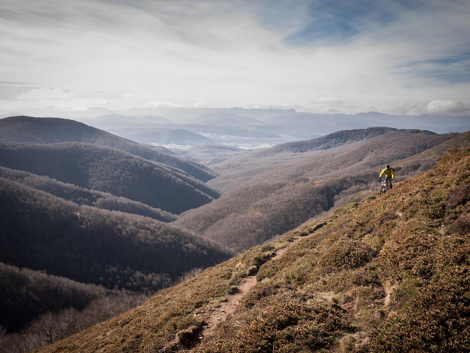Contour SIngletrack - BasqueMTB - Mountain Biking Pictures - Vital MTB