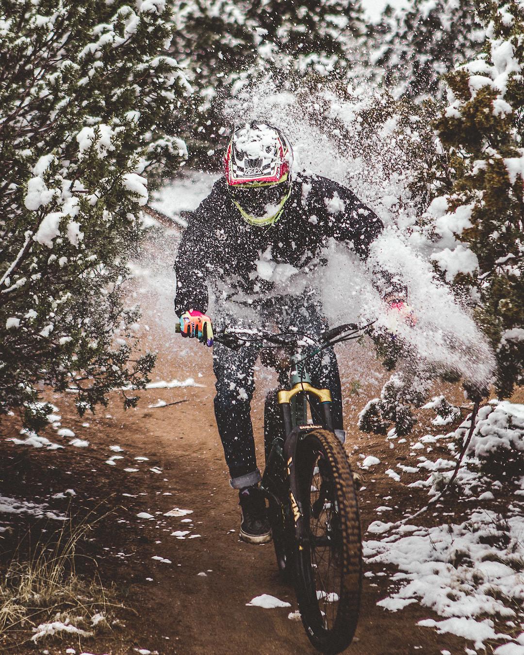 HandskeSnow - Dogspeedmtb - Mountain Biking Pictures - Vital MTB