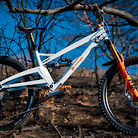 Orange Bikes Alpine6 Far From Home Edition / Valentin Anouilh