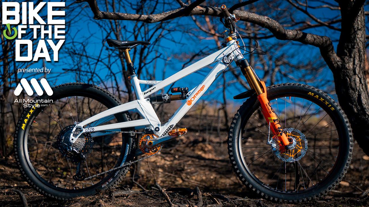 Orange Bikes Alpine6 Far From Home Edition / Valentin Anouilh