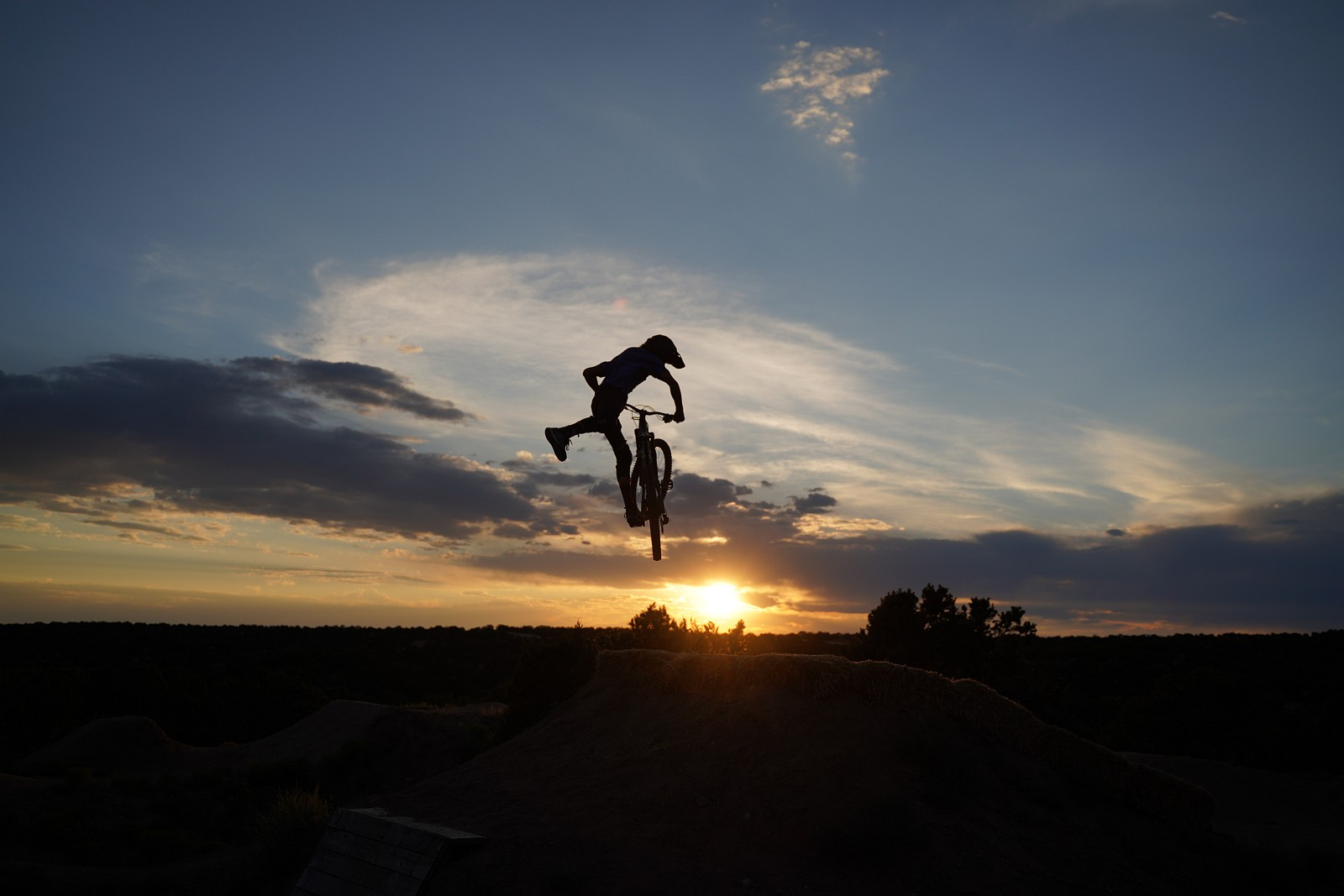 Henry One-Foot Whip - legpwr - Mountain Biking Pictures - Vital MTB