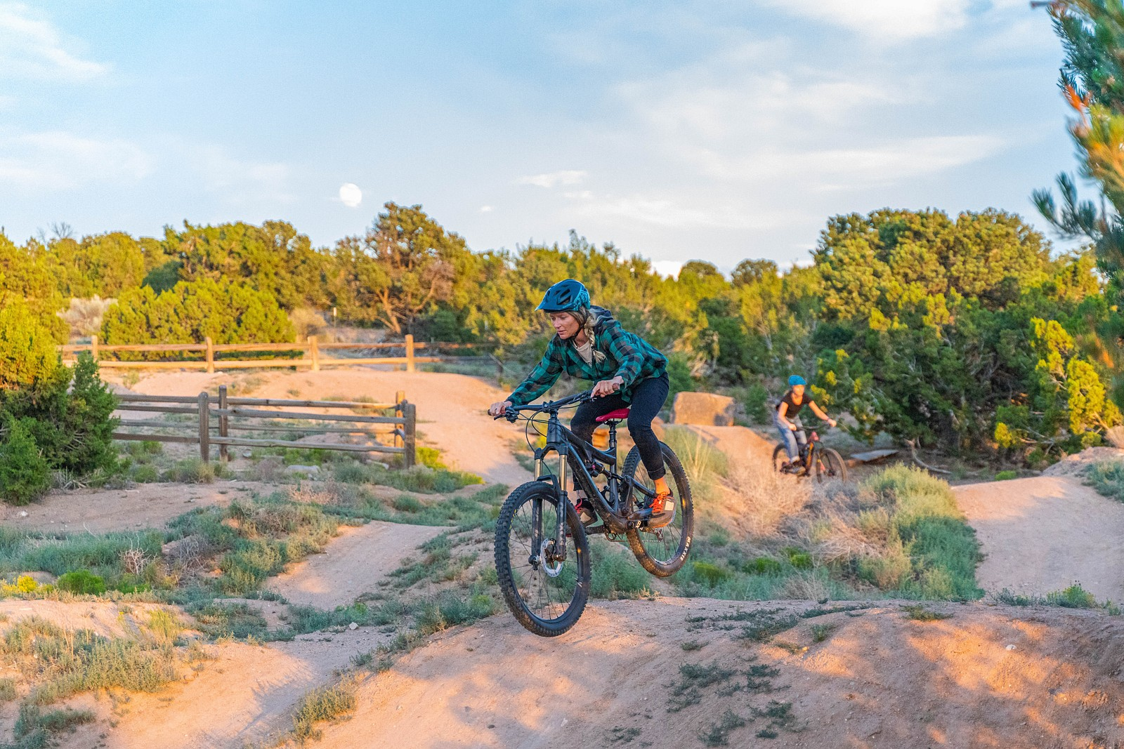 Bre sighting a landing - legpwr - Mountain Biking Pictures - Vital MTB