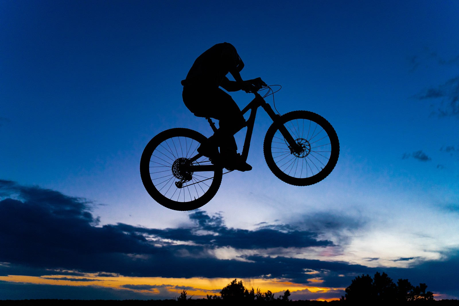 Silhouette Sender - legpwr - Mountain Biking Pictures - Vital MTB