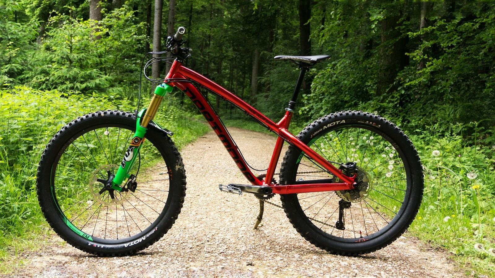 016 - allmountain.ch - Mountain Biking Pictures - Vital MTB