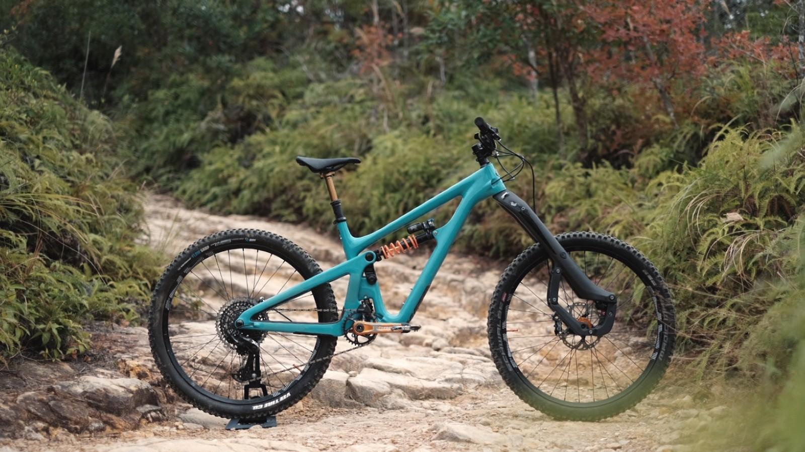 Yeti SB165 Build by Dirtybikes