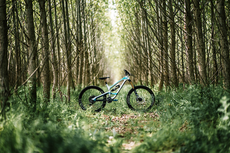 YT Industries - Capra CF Pro Race