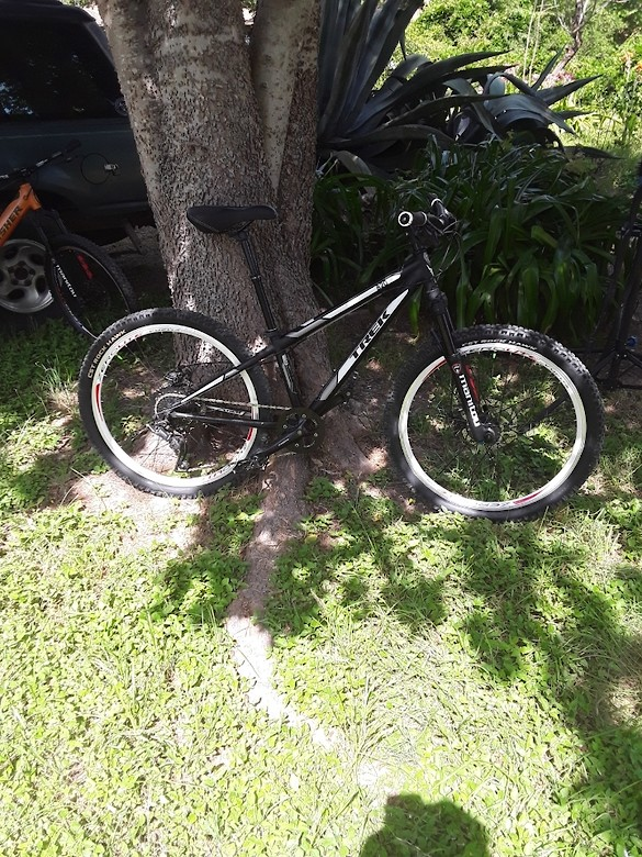 2011 Trek 820 Singletrack, everything replaced except headset, bottom bracket, and paint