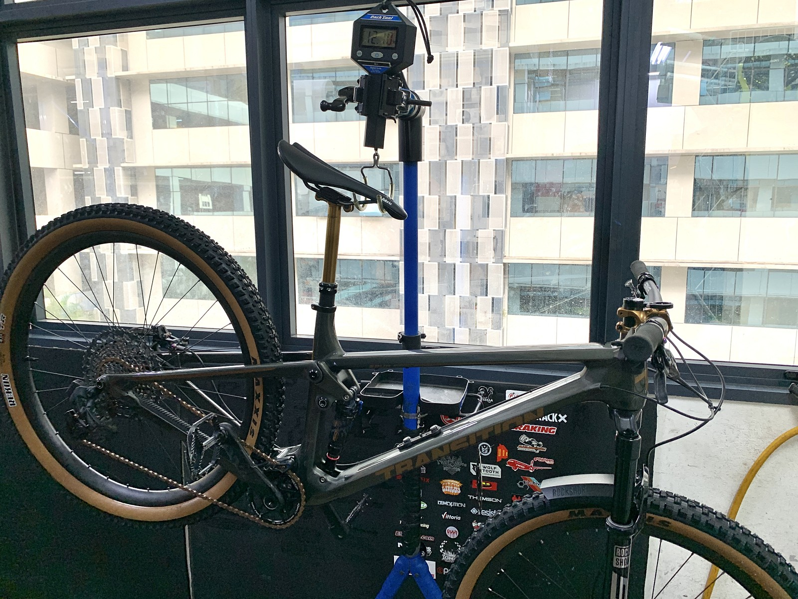 Time to weigh the Spur - Sharin - Mountain Biking Pictures - Vital MTB