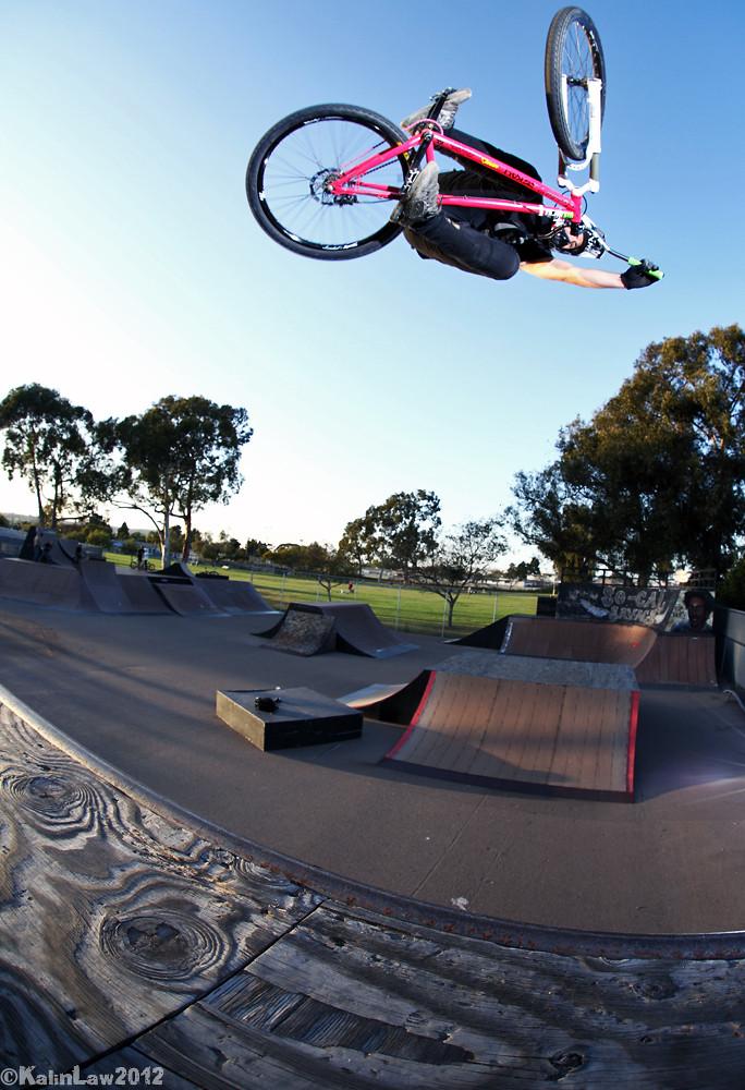 Kevin Sorichetti Crisp Table  - Lobes SD - Mountain Biking Pictures - Vital MTB