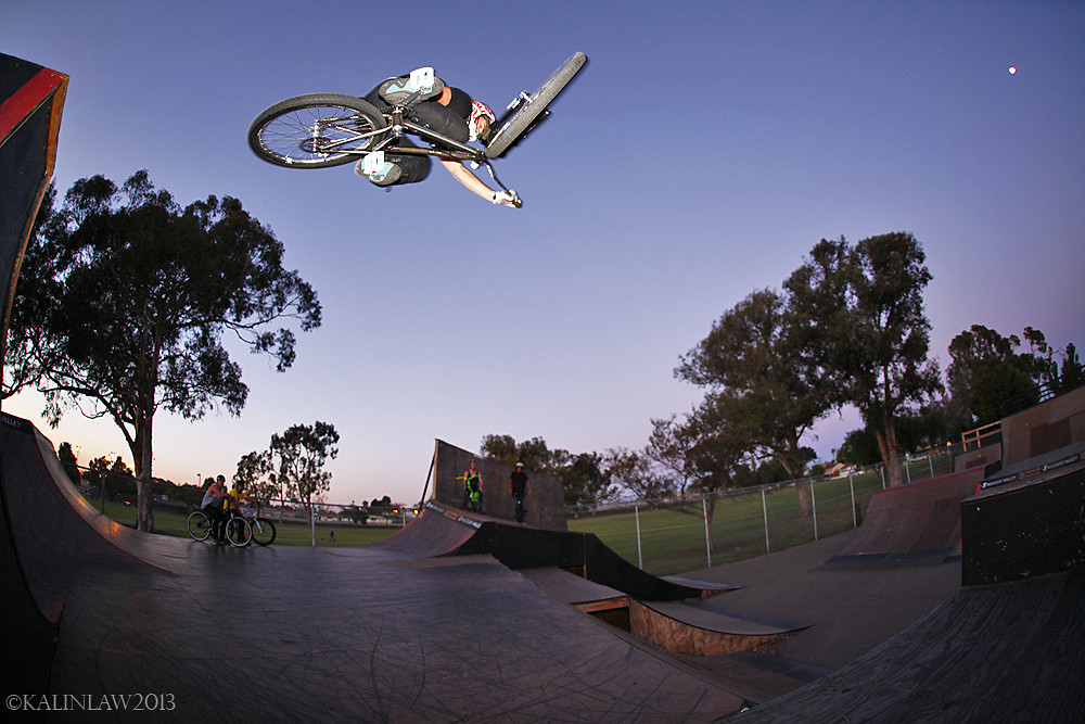 Kevin Table Down - Lobes SD - Mountain Biking Pictures - Vital MTB