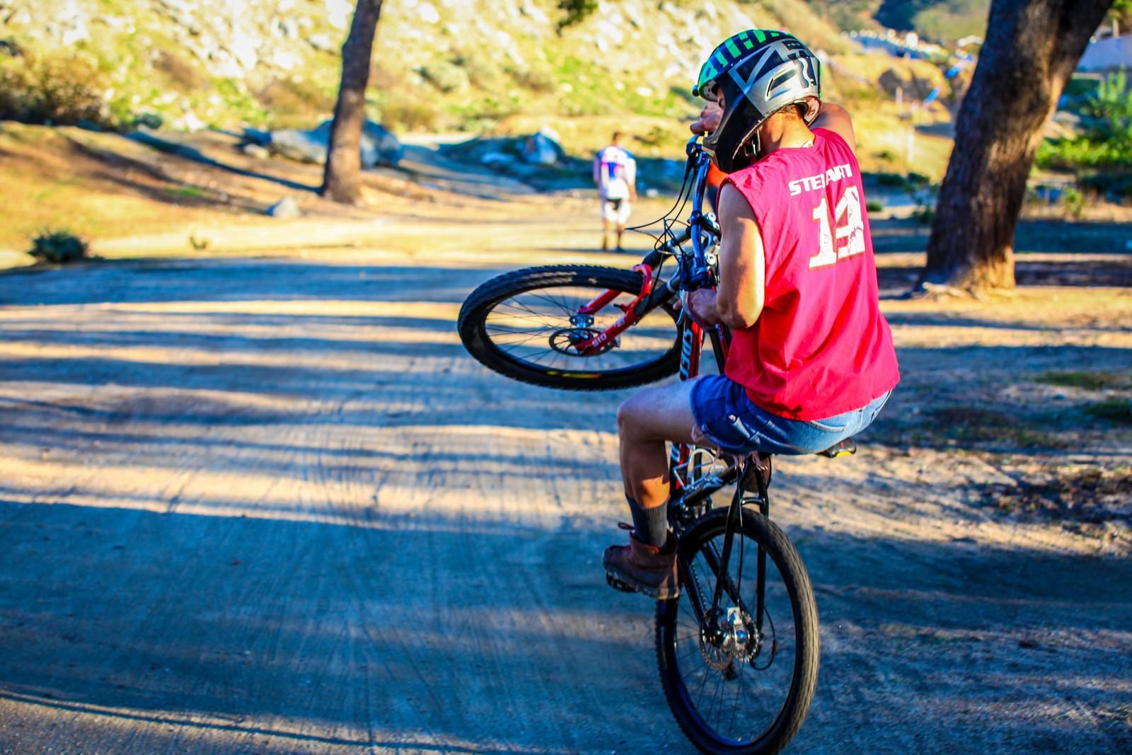 Randy Wheelie - GnarHuck - Mountain Biking Pictures - Vital MTB