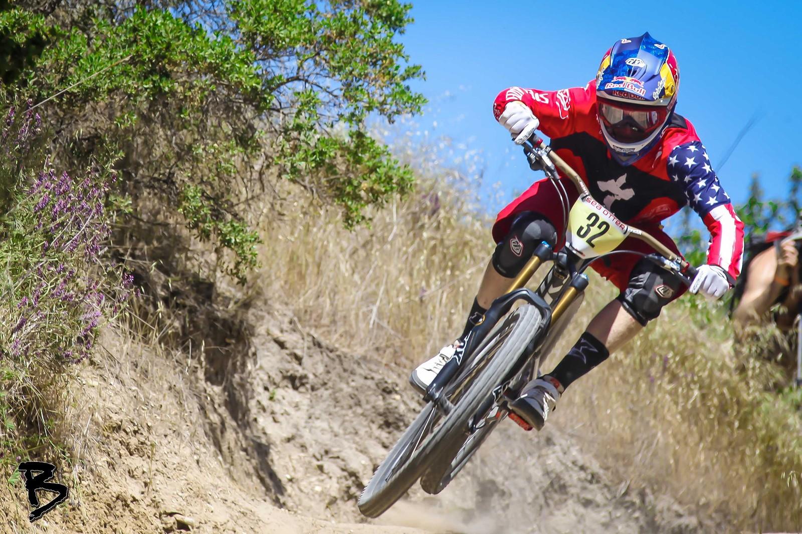 Aaron Gwin Scrub - GnarHuck - Mountain Biking Pictures - Vital MTB