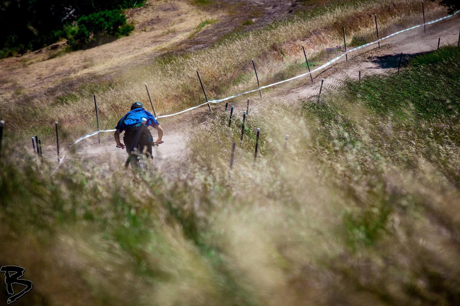 Field Shot - GnarHuck - Mountain Biking Pictures - Vital MTB