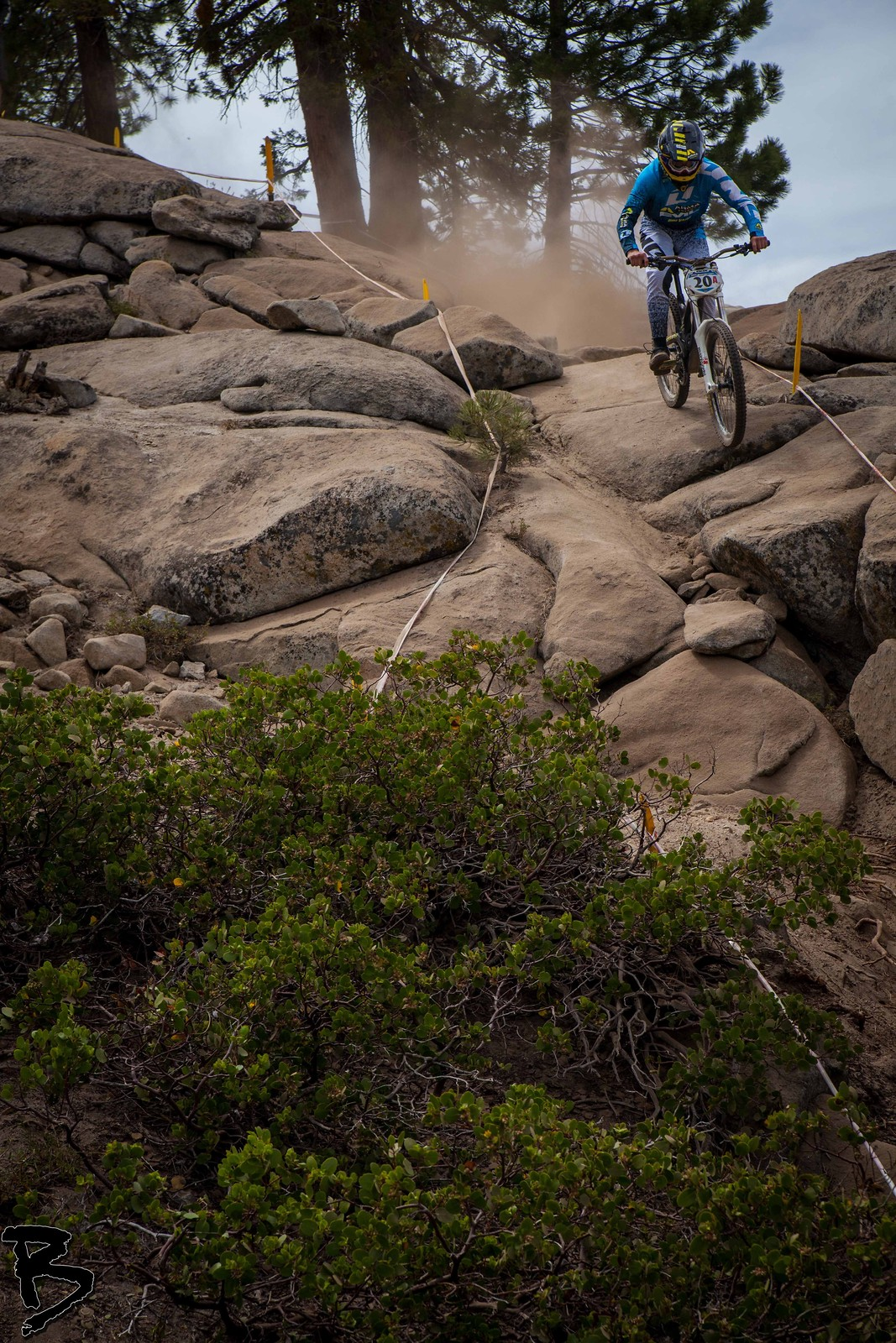 Steep Drop In  - GnarHuck - Mountain Biking Pictures - Vital MTB