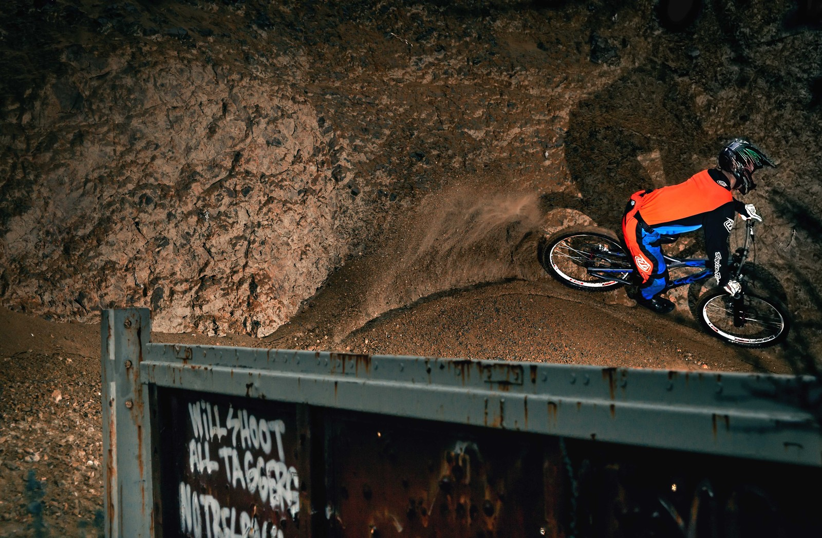 Rainy Day Gloom - GnarHuck - Mountain Biking Pictures - Vital MTB