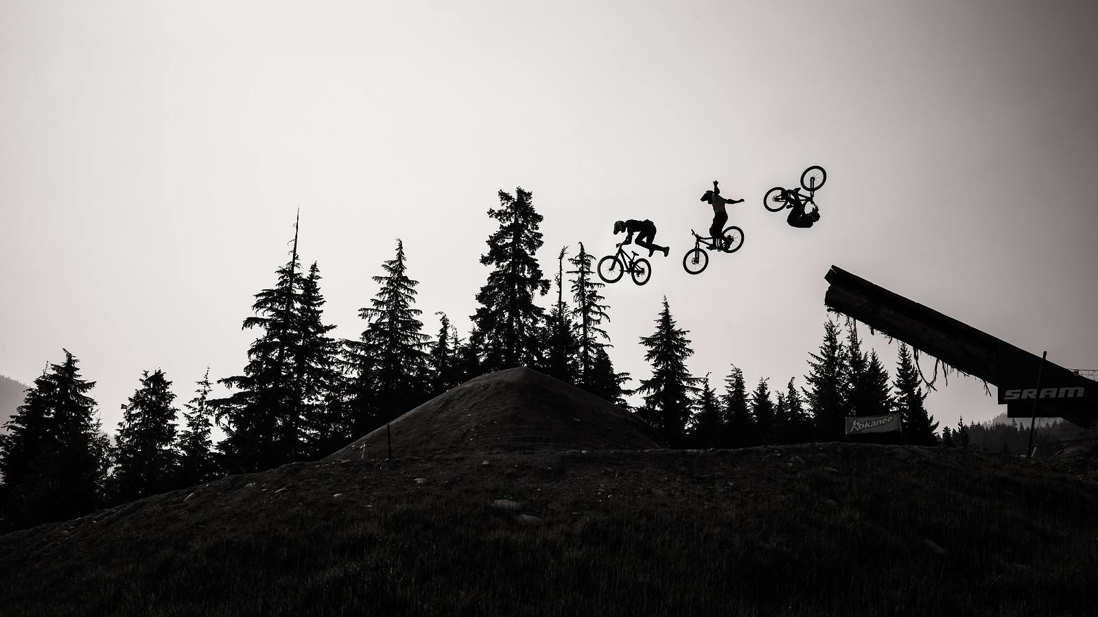 3 airs - phunkt.com - Mountain Biking Pictures - Vital MTB