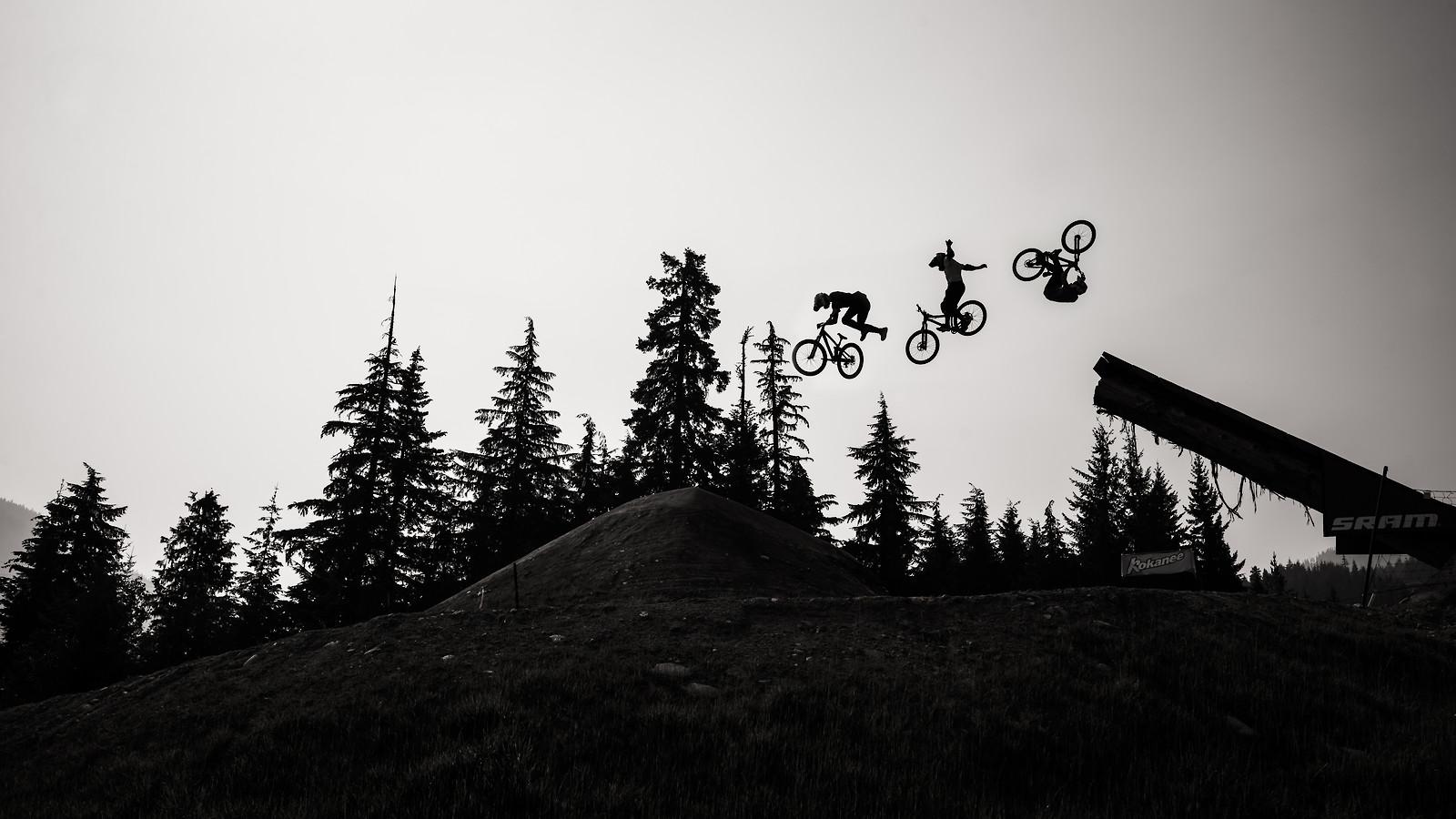 3 airs - phunkt.com - Mountain Biking Pictures - Vital MTB