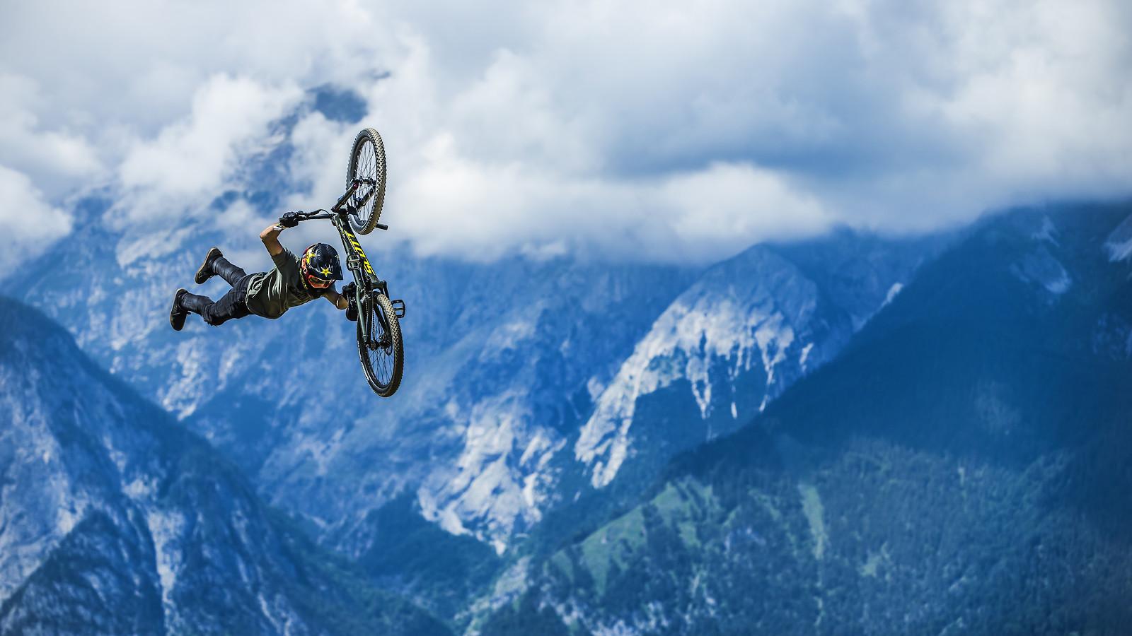 X0R8573 - phunkt.com - Mountain Biking Pictures - Vital MTB
