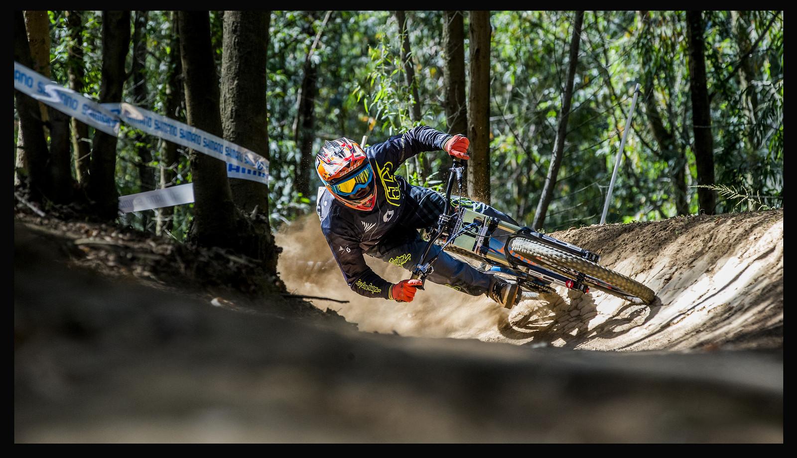 13784508874 5bd62ca0f7 k - phunkt.com - Mountain Biking Pictures - Vital MTB