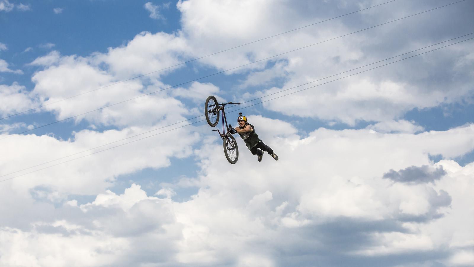 26 trix practice - phunkt.com - Mountain Biking Pictures - Vital MTB