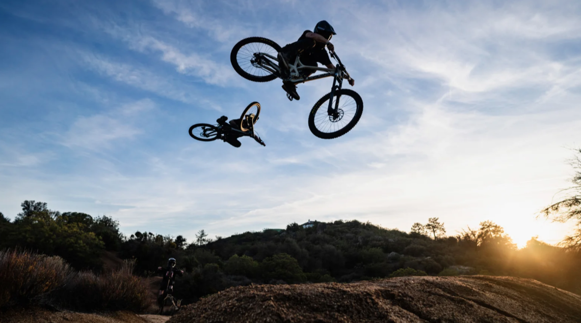 Aggy, Bubba, Norbs, Giese, and Genovese Cut Loose in Cali - Evil Black Collars