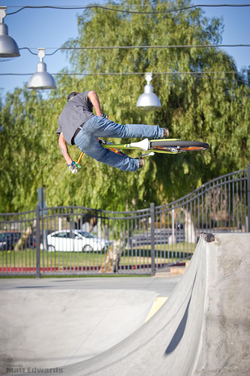 Palm Springs Skate Park - EdwardsEntertainment - Mountain Biking Pictures - Vital MTB