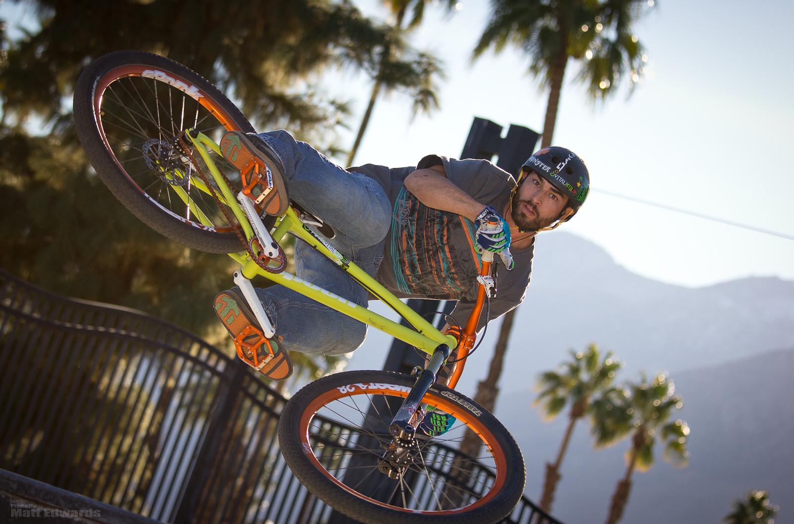 You lookin at me? - EdwardsEntertainment - Mountain Biking Pictures - Vital MTB