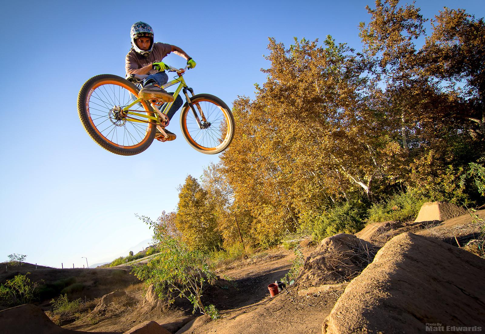 Alvino getting nasty! - EdwardsEntertainment - Mountain Biking Pictures - Vital MTB
