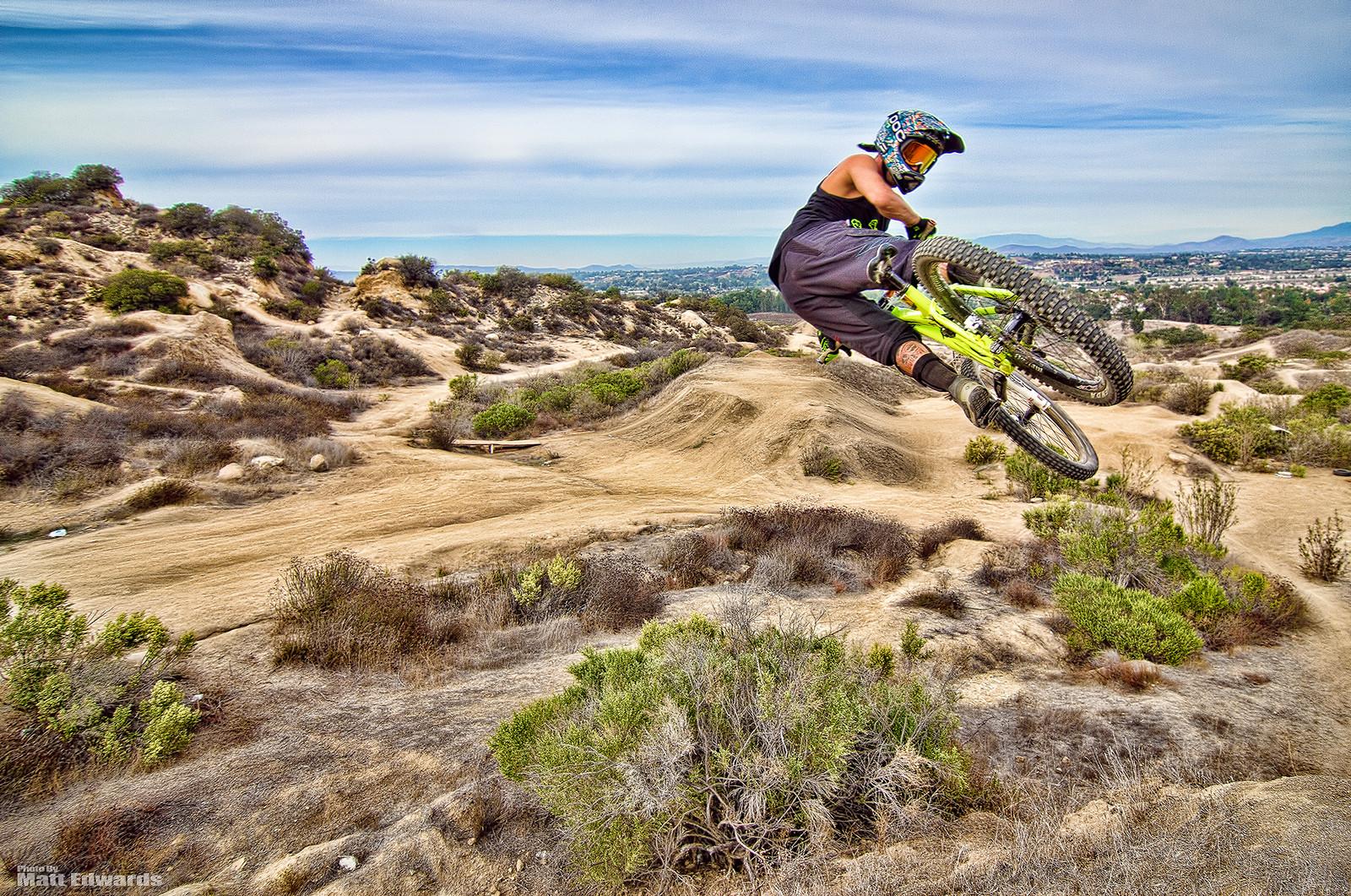 Whip on the hip! - EdwardsEntertainment - Mountain Biking Pictures - Vital MTB