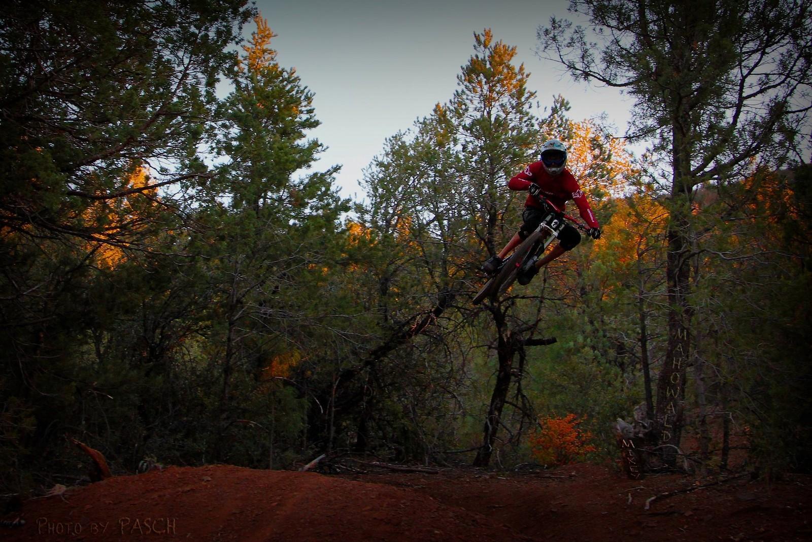 Mingus jump - Mike-e - Mountain Biking Pictures - Vital MTB