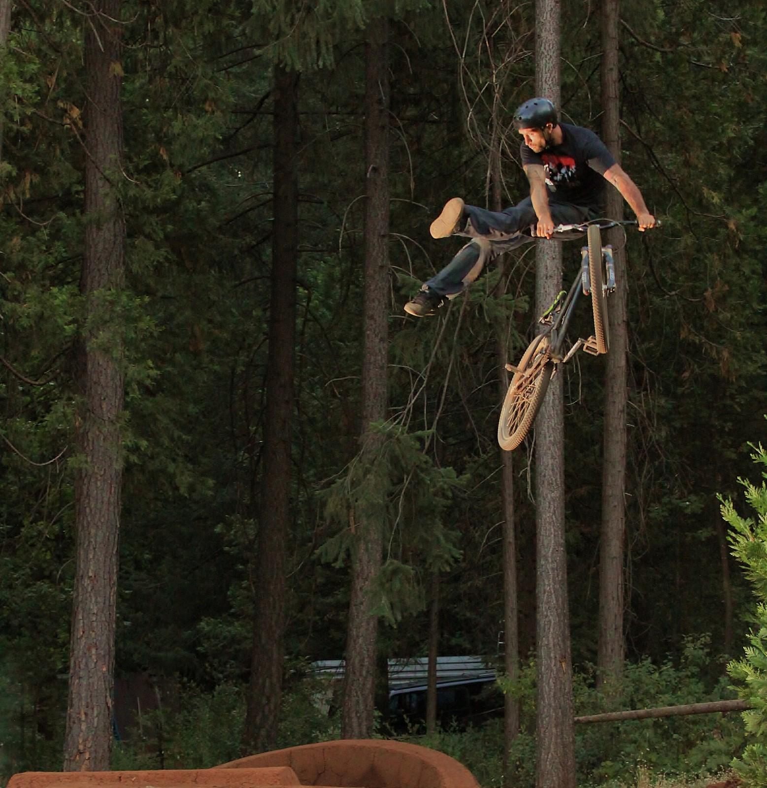 124 - ZD - Mountain Biking Pictures - Vital MTB