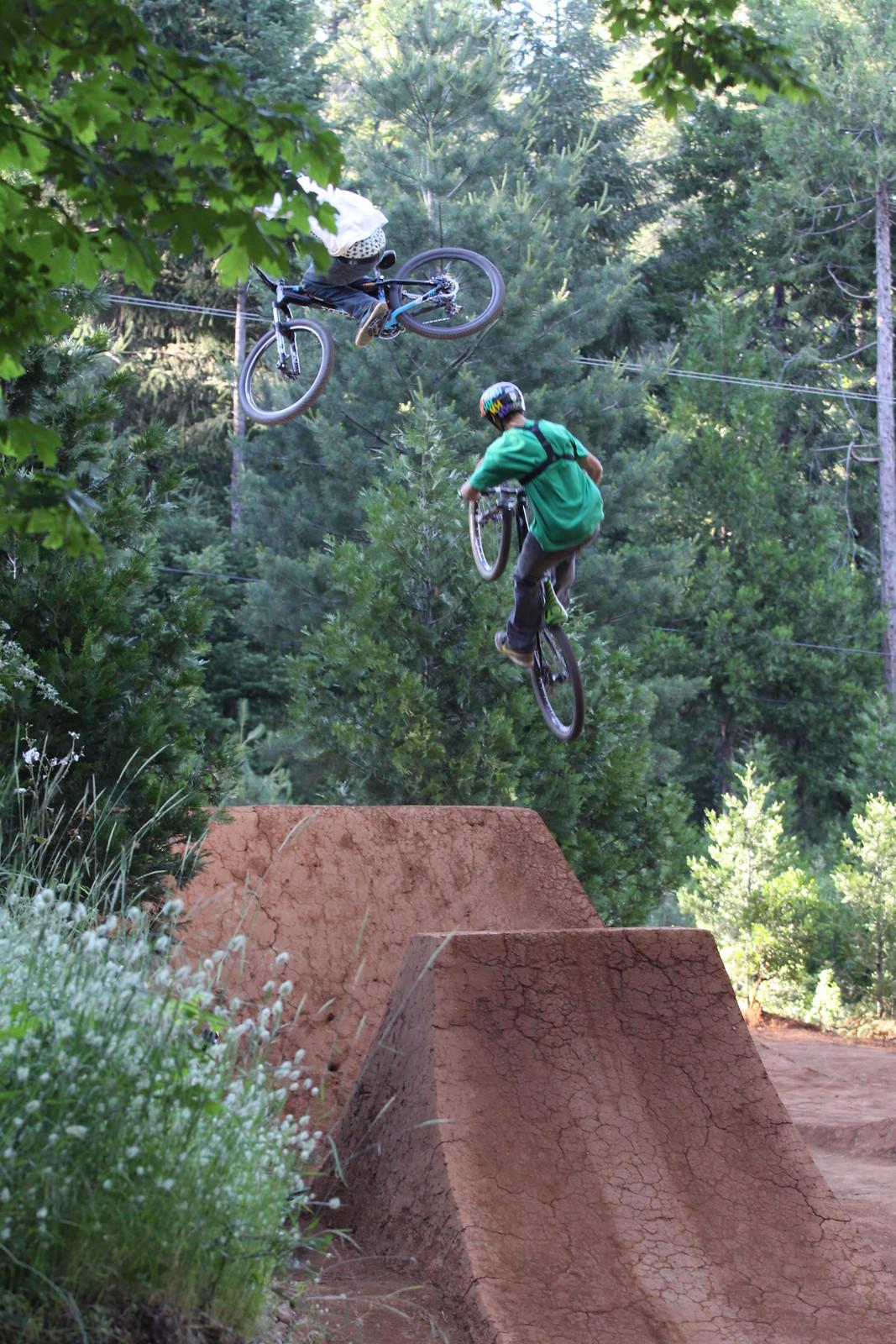 003 - ZD - Mountain Biking Pictures - Vital MTB