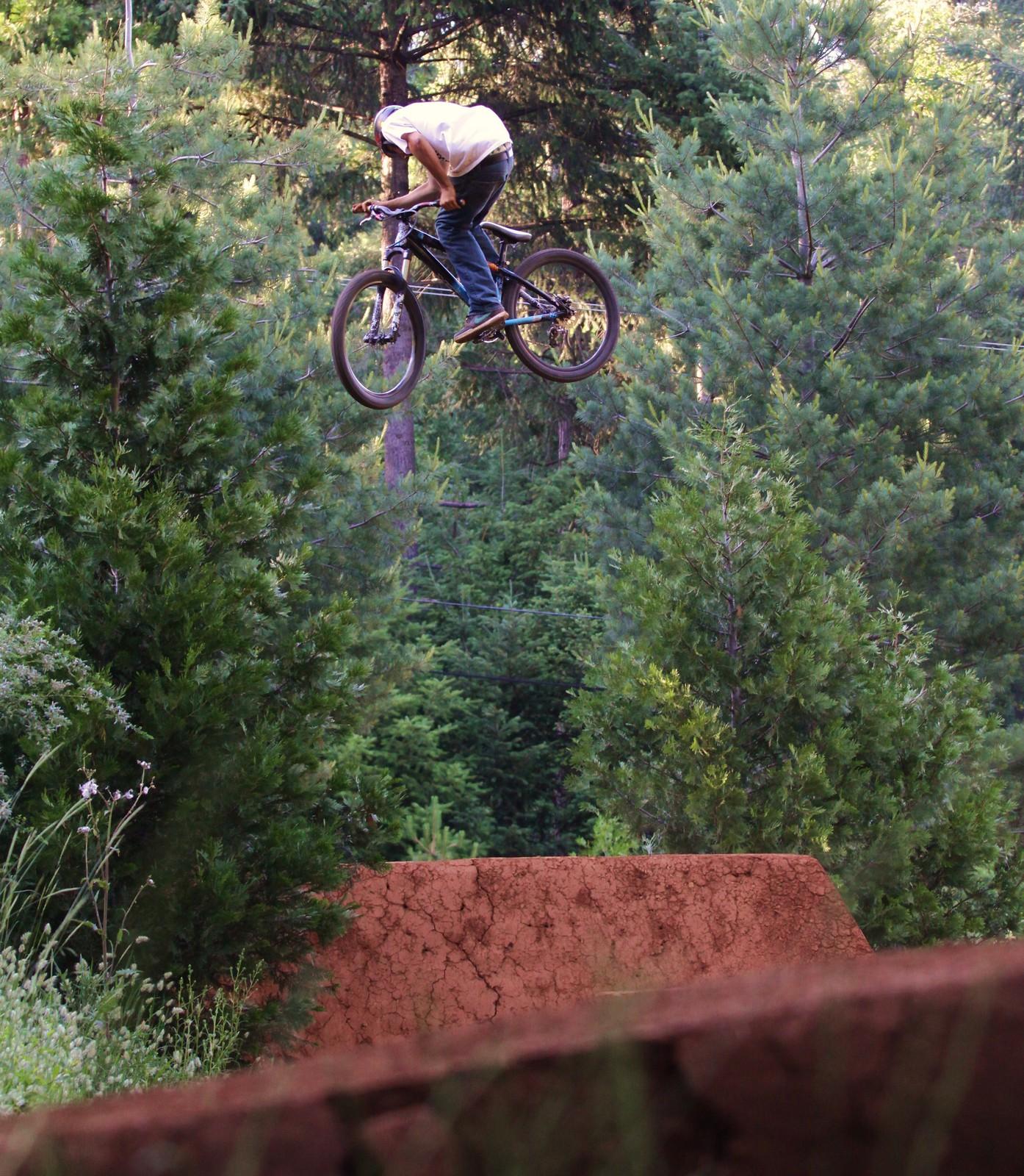 005 - ZD - Mountain Biking Pictures - Vital MTB