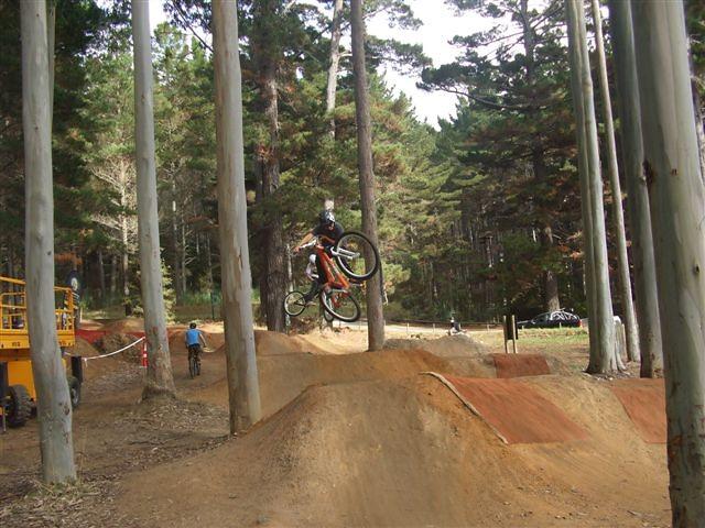 CONNOR%20NZ%20DJ%202010%20003[1] (2) - 'Connor_Halligan' - Mountain Biking Pictures - Vital MTB