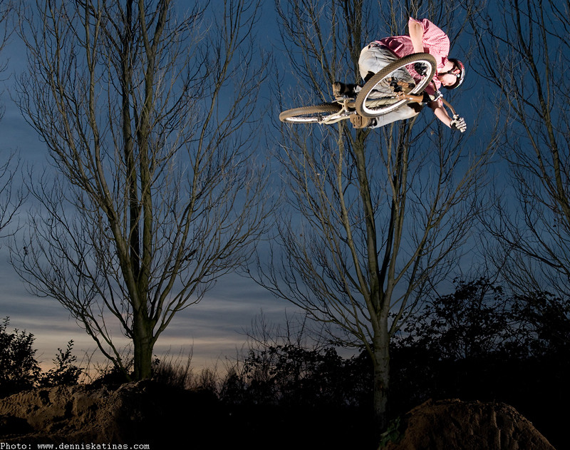 360tabletop - Jeremy - Mountain Biking Pictures - Vital MTB
