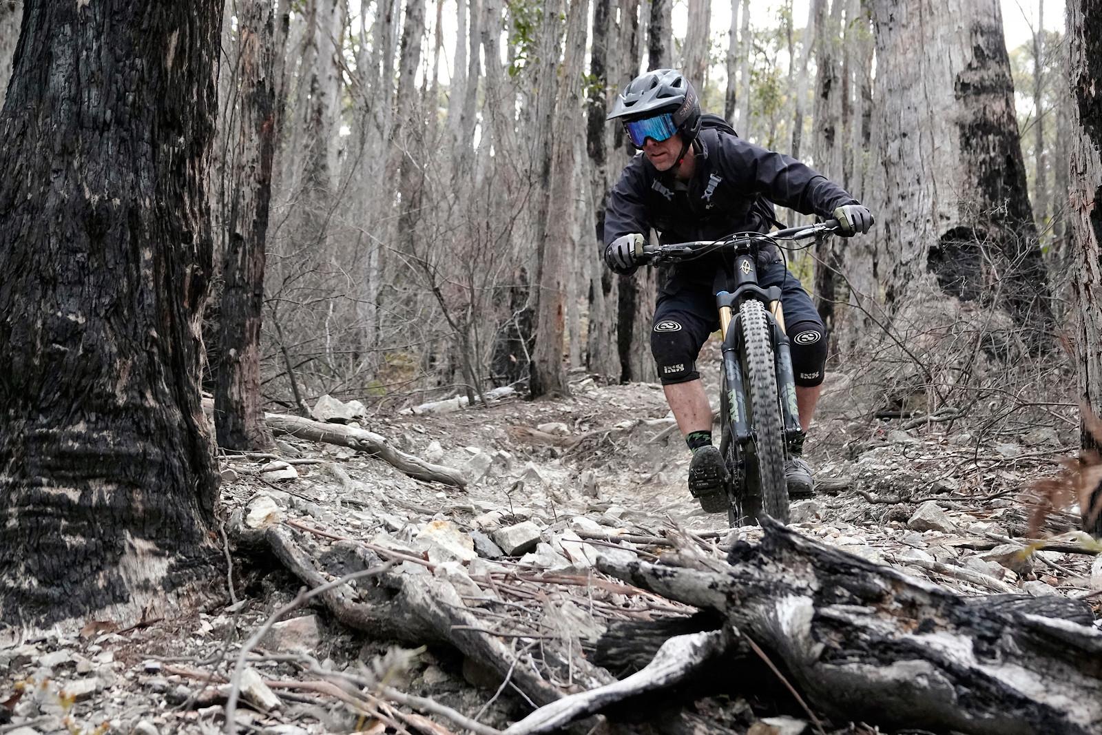 Dropz. South Hobart - digitalhippie - Mountain Biking Pictures - Vital MTB