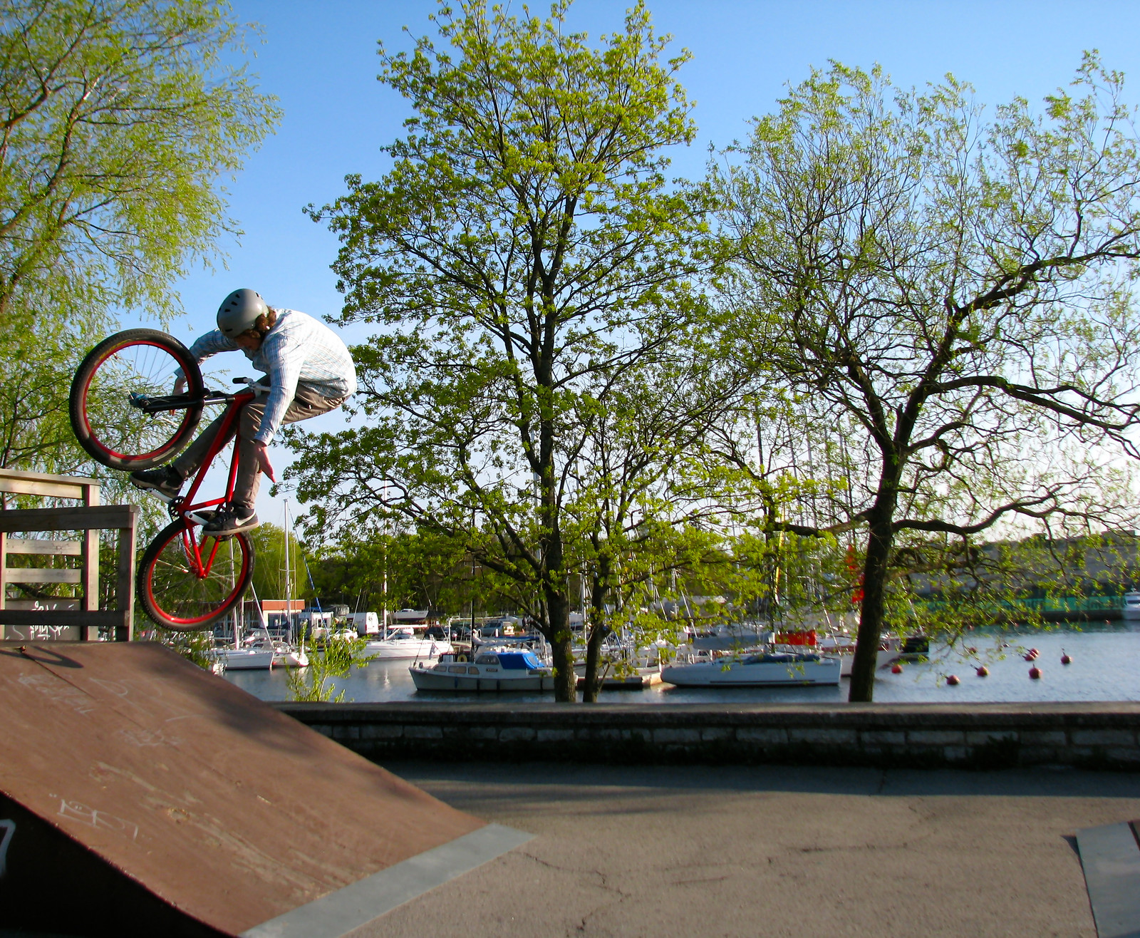 No hander on a bank - KasparKalmer - Mountain Biking Pictures - Vital MTB