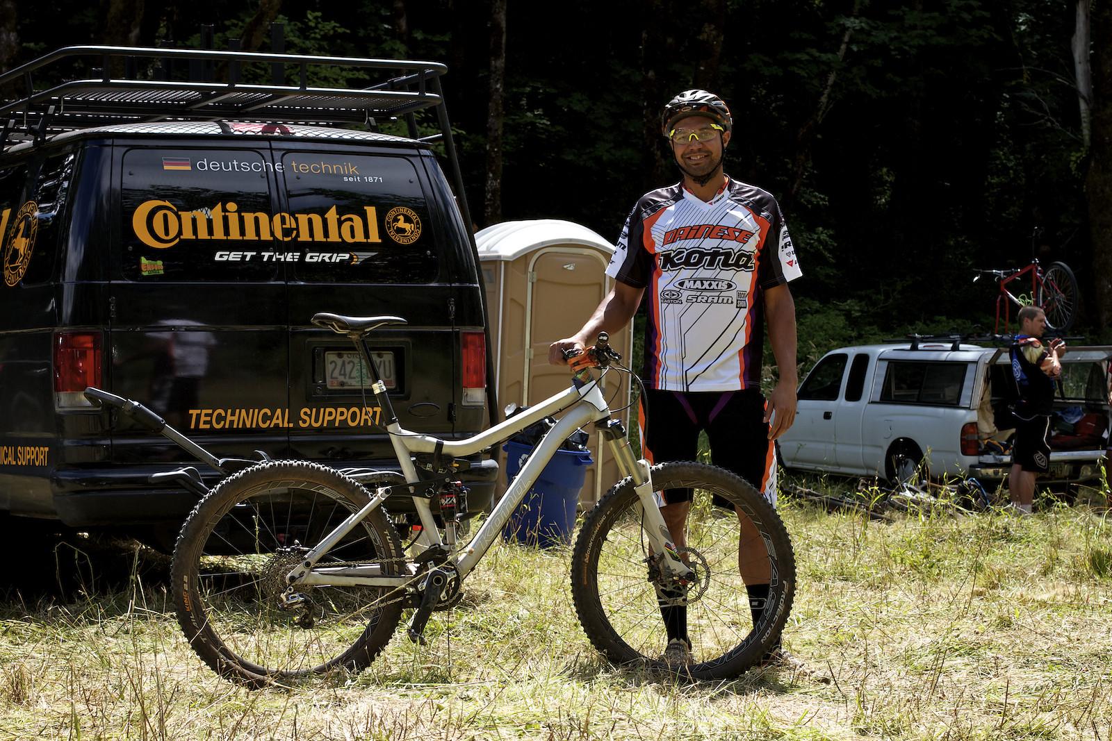 Matthew Slaven's Prototype Kona at Oregon Enduro Series Hood River - corytepper.com - Mountain Biking Pictures - Vital MTB