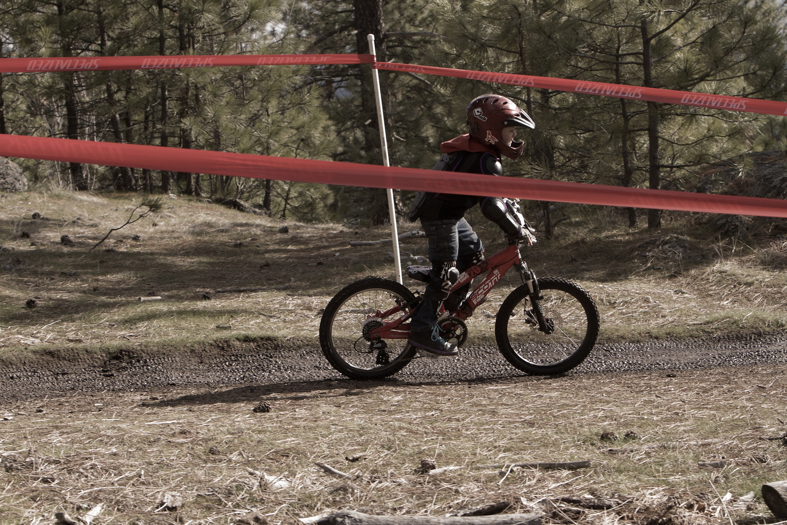 Groms Out in Force at Beacon Hill - corytepper.com - Mountain Biking Pictures - Vital MTB