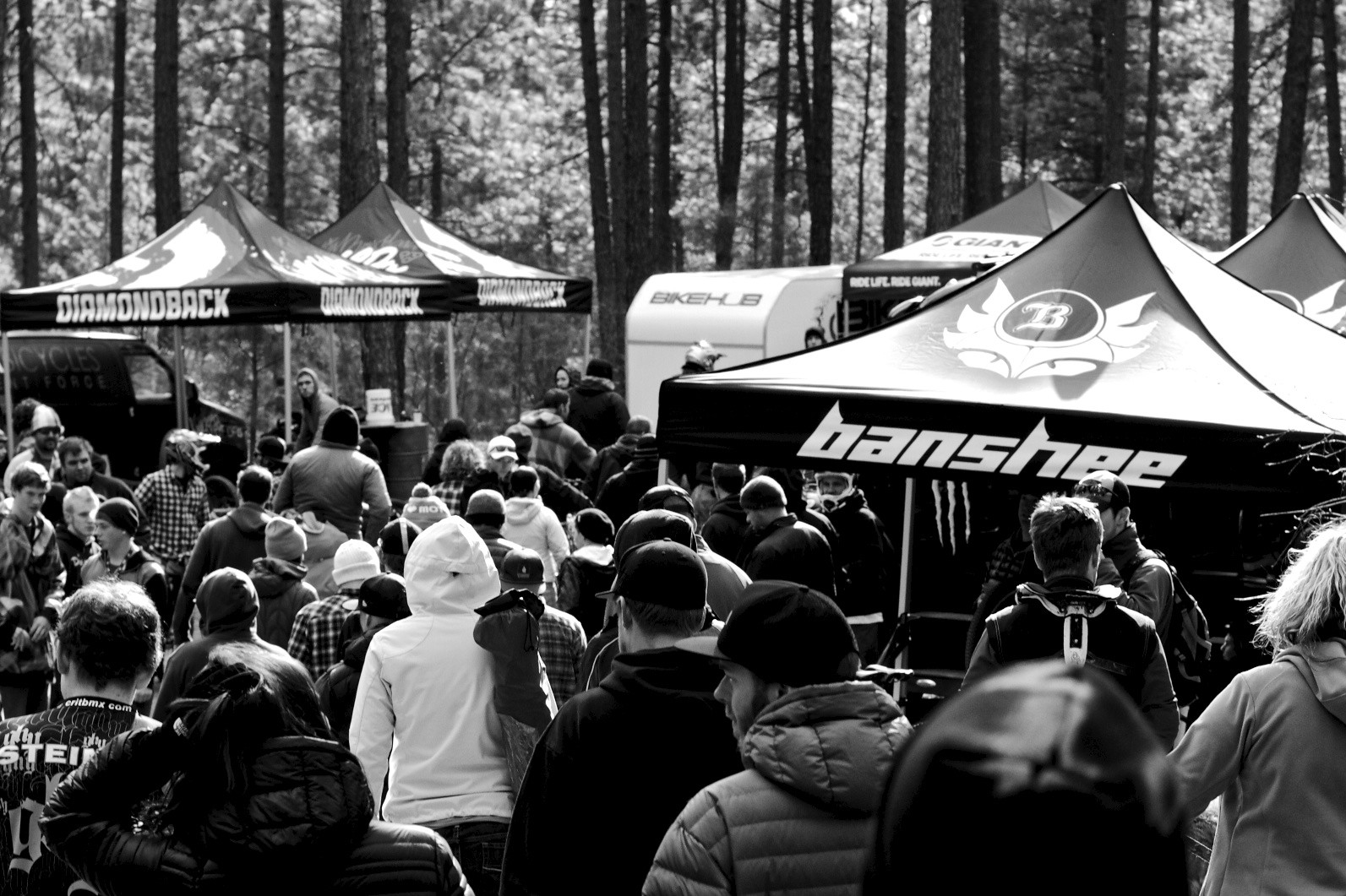 Quality Crowds at Beacon - corytepper.com - Mountain Biking Pictures - Vital MTB