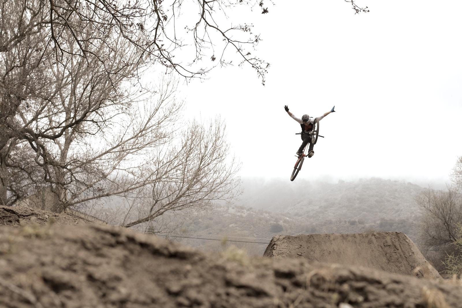 Tyler McCaul Super Session Tuck No Hander - corytepper.com - Mountain Biking Pictures - Vital MTB