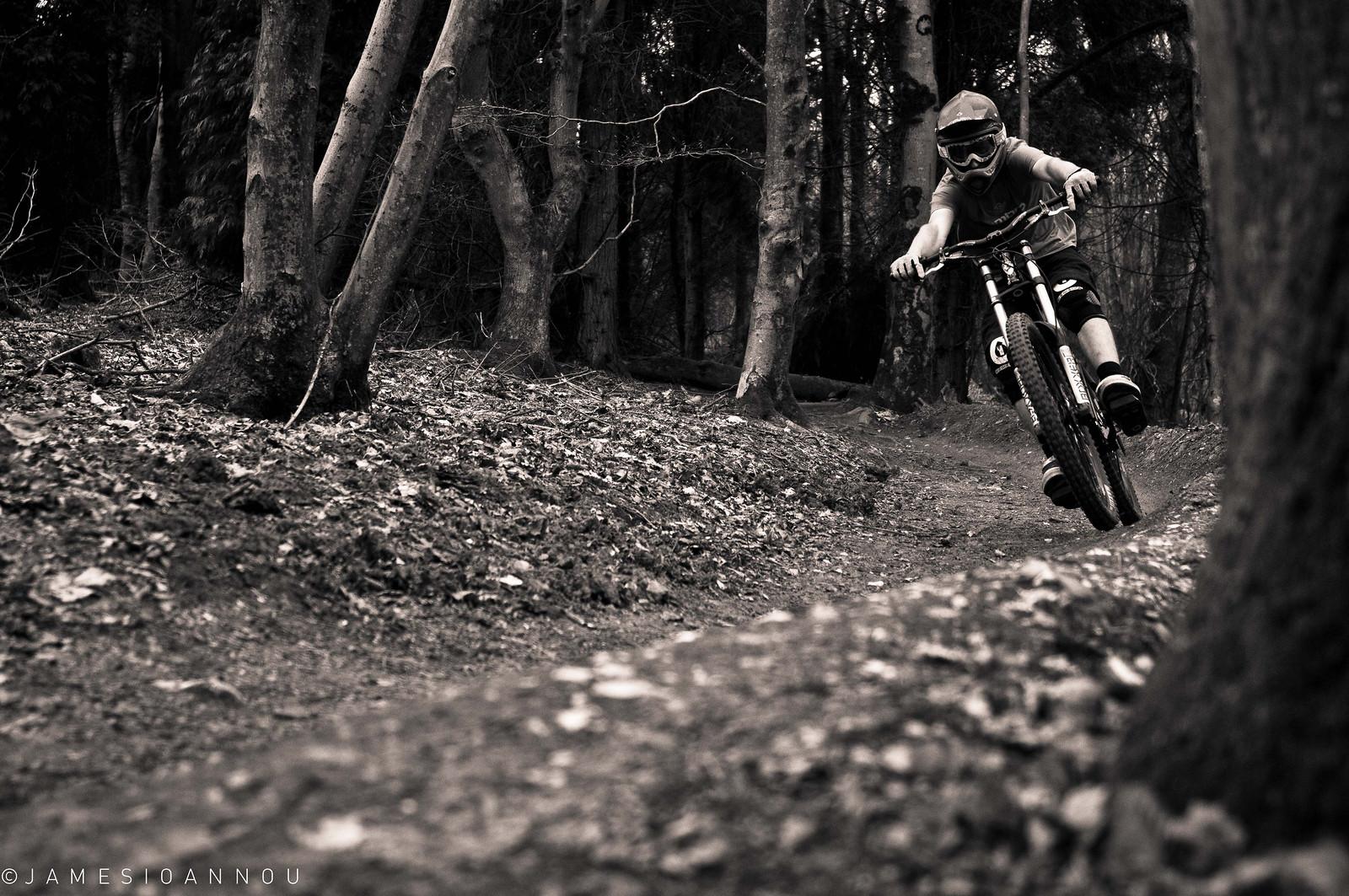 Rob Schaverien - James Ioannou - Mountain Biking Pictures - Vital MTB