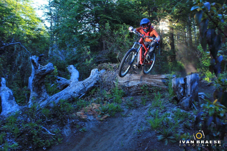 Staying low - nehuen93 - Mountain Biking Pictures - Vital MTB