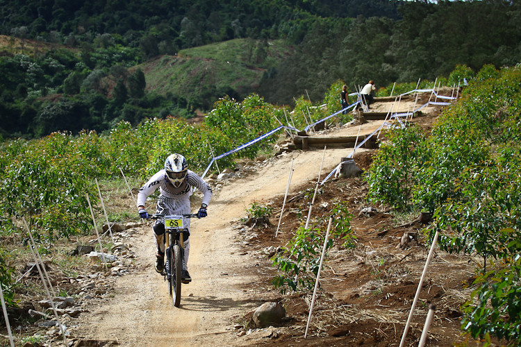 Cutting across the pedaling - iamcycho - Mountain Biking Pictures - Vital MTB