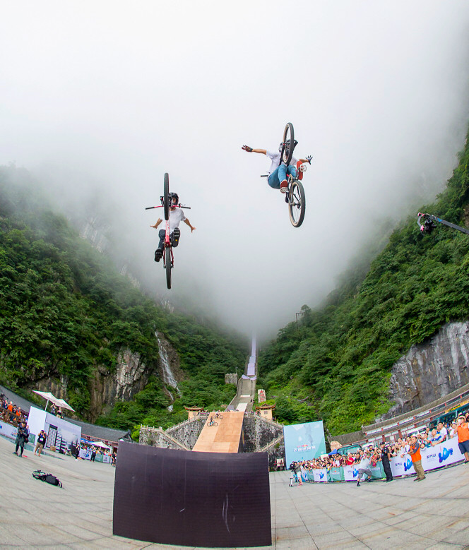 Adolf Silva and Reed Boggs - Malcolm Mclaws - Mountain Biking Pictures - Vital MTB