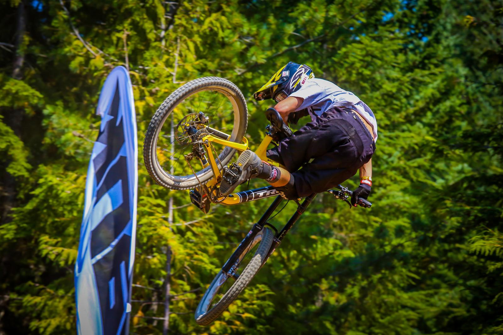 R-Dog Whip Good - Malcolm Mclaws - Mountain Biking Pictures - Vital MTB