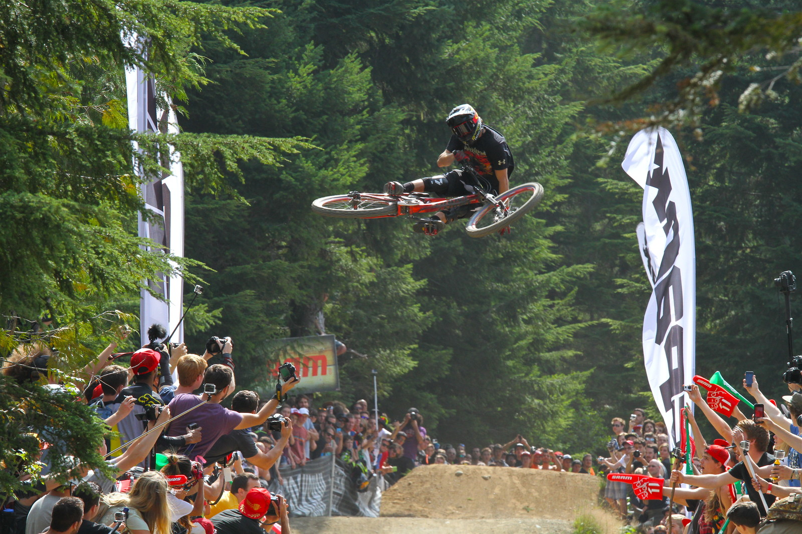 Kurt Sorge/ Giant Bikes - Malcolm Mclaws - Mountain Biking Pictures - Vital MTB