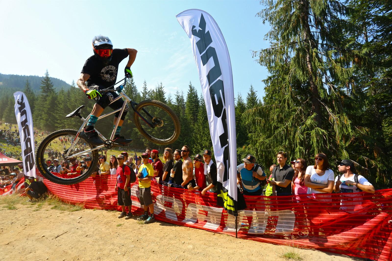 Lars Sternberg - Malcolm Mclaws - Mountain Biking Pictures - Vital MTB