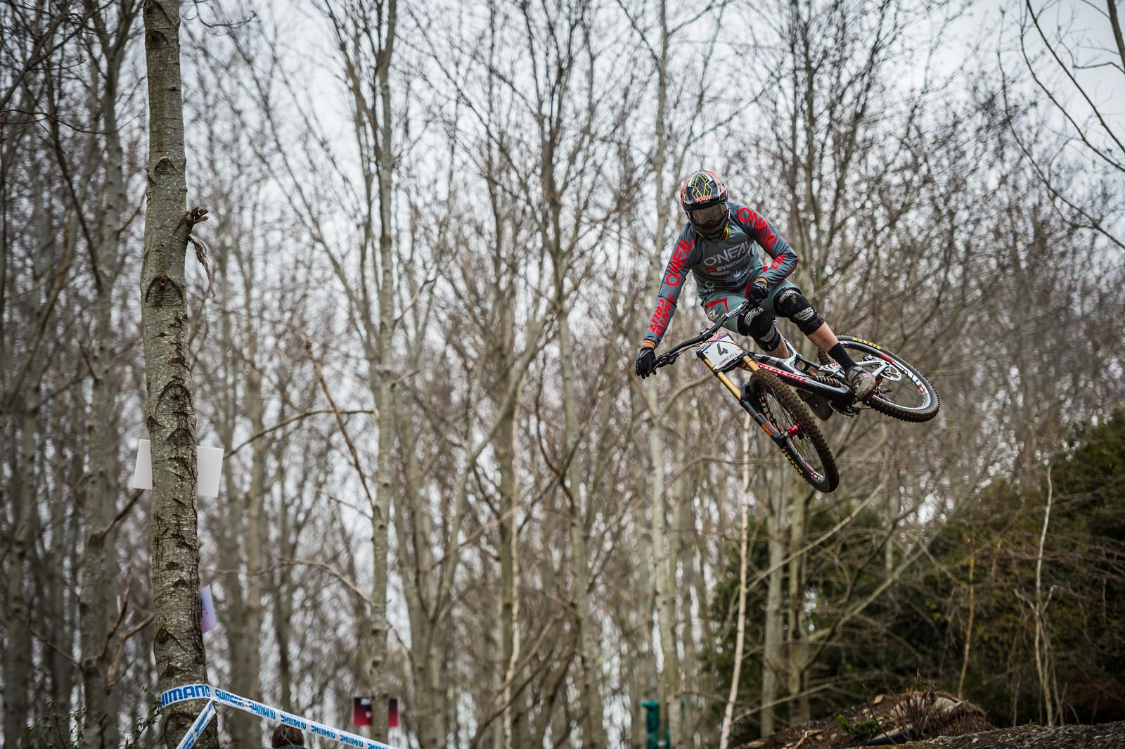 Minnaar - Check the Knees! - iceman2058 - Mountain Biking Pictures - Vital MTB