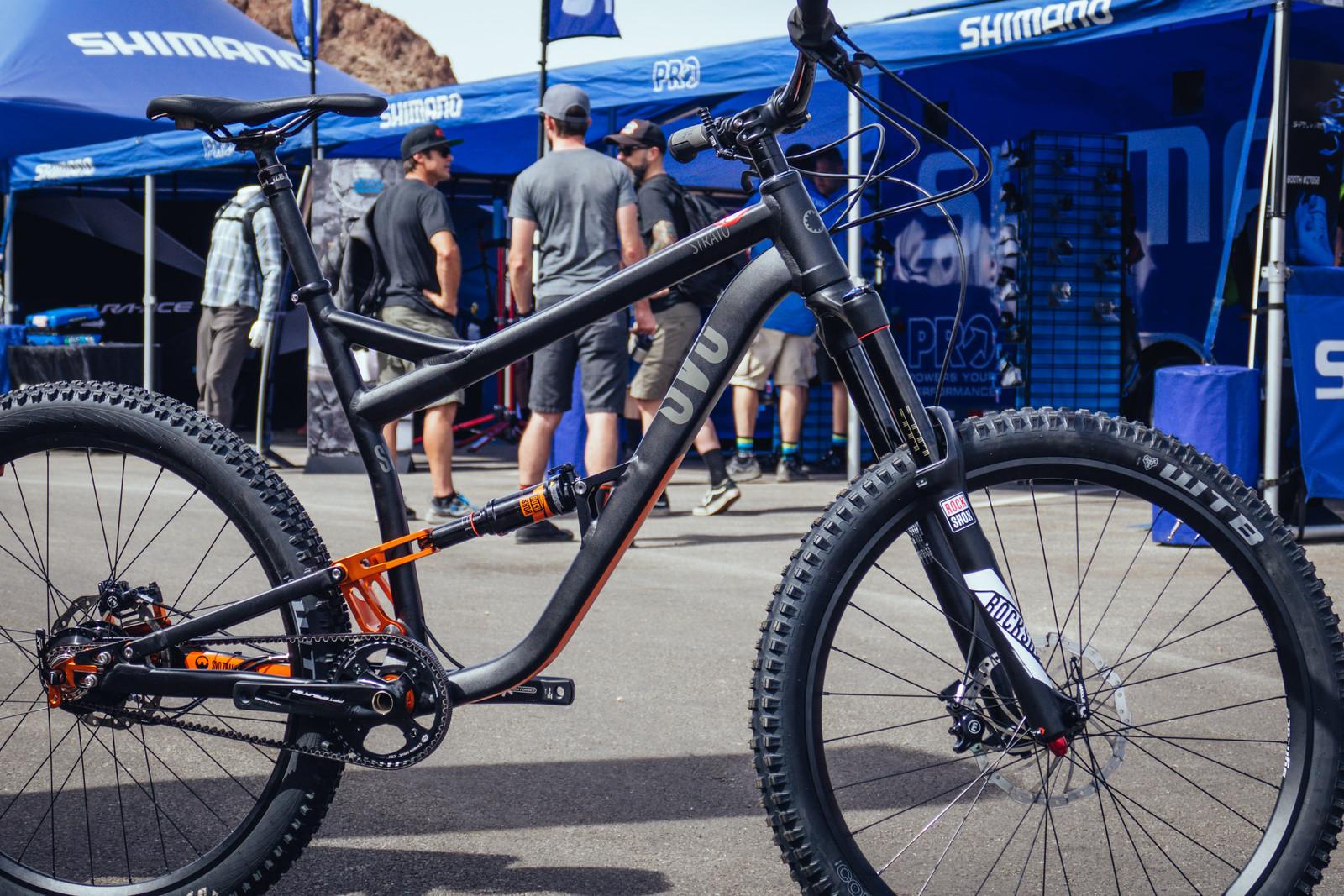 Rohloff Gates Full Suspension SVC Strato Bike 2 - INTERBIKE - 2017 Enduro and Trail Bikes - Mountain Biking Pictures - Vital MTB